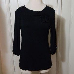 DESIGN HISTORY black flower neck 3/4 sleeve top